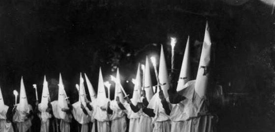 Смольный не намерен отказываться от расистского «нравственного образа»