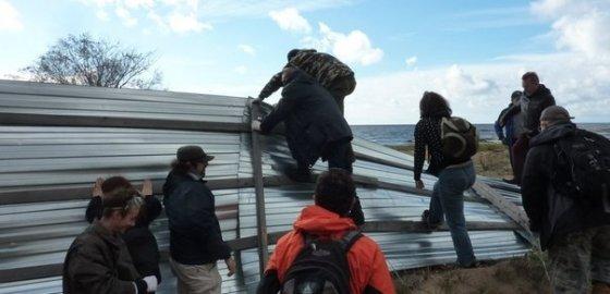 Попытка освободить берег закончилась в полиции