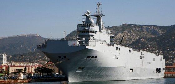 Из Петербурга не выпустят военные корабли