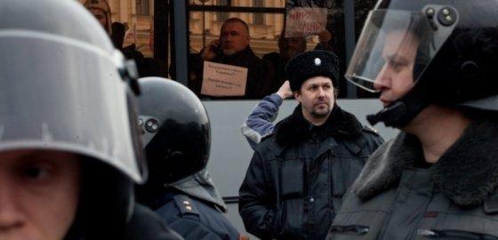 Полицейский – о митингах, Милонове, злобных блогерах и жестких задержаниях