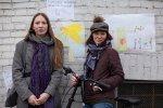 Дети и взрослые обклеили стену блокадной подстанции рисунками: Фоторепортаж