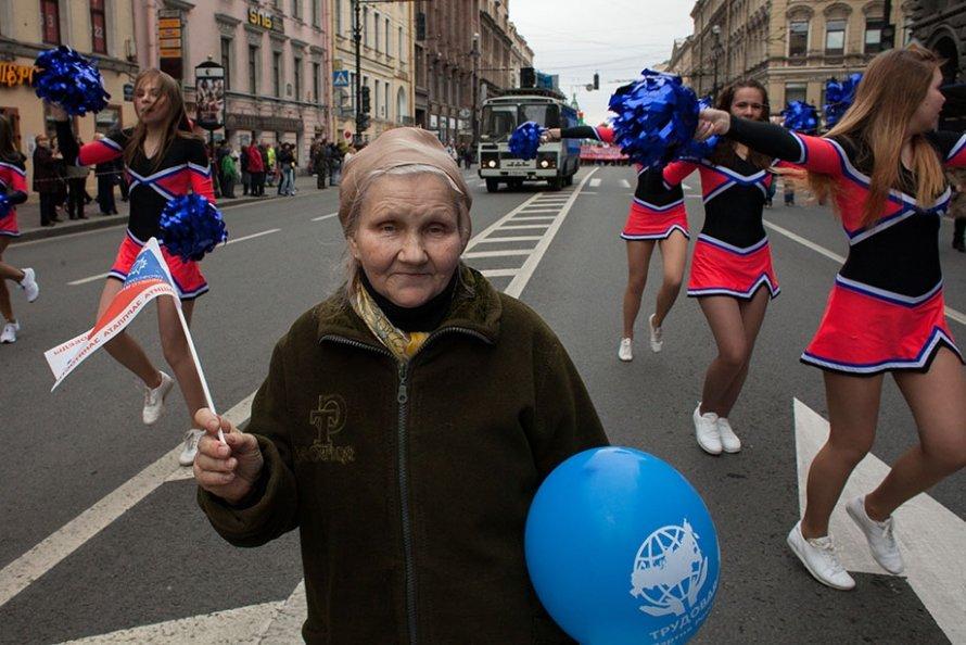 Первомай в Петербурге (фото)