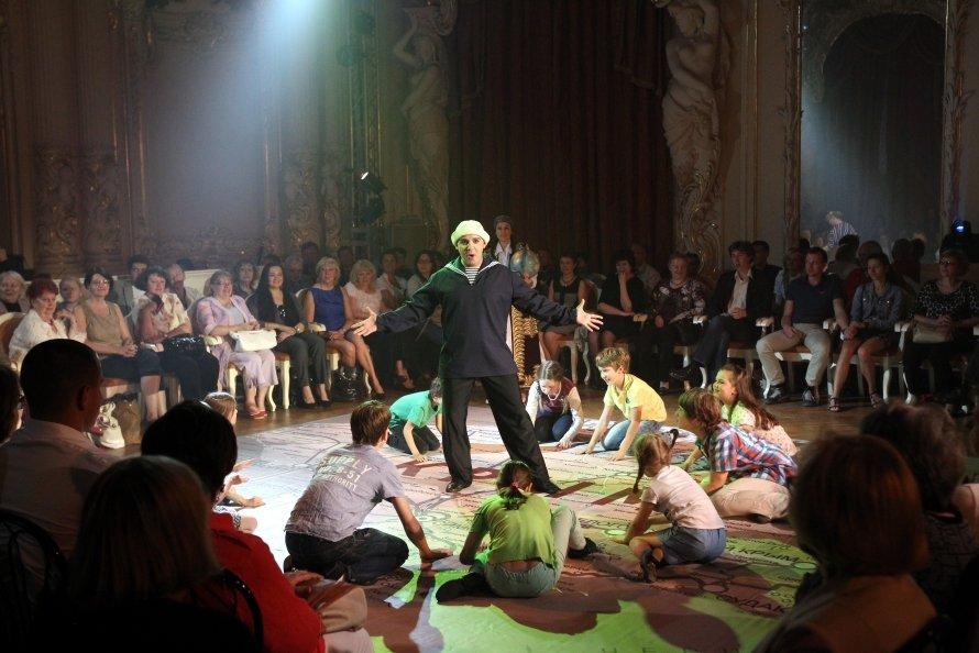 В митинге-опере Путину отвели роль Спасителя (фото, видео)