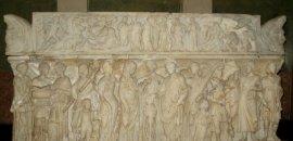 Можно ли «отмыться от скверны прошлого» в римском саркофаге?