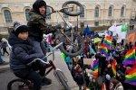Марш против ненависти: флаги и лозунги: Фоторепортаж