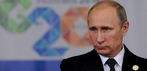 Одинокий медведь Путин