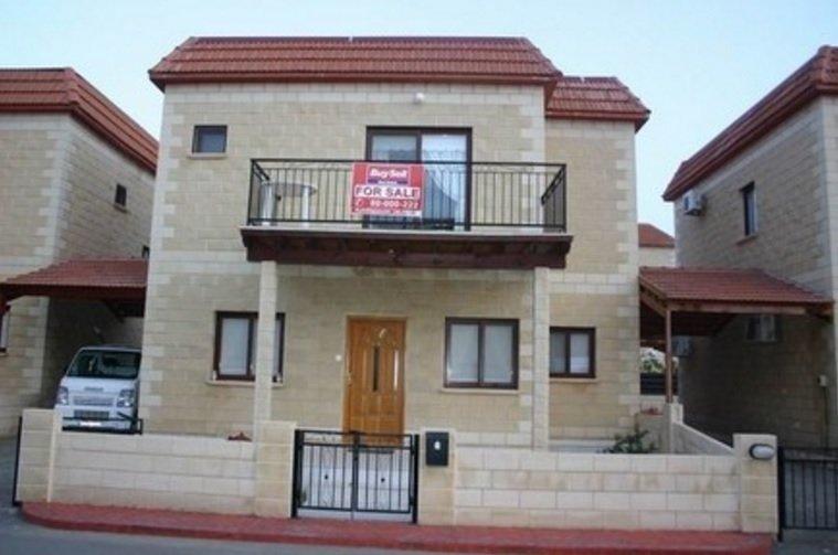 Хорошо иметь домик в кипрской деревне