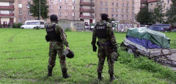 Взрывы и выстрелы на Ленинском проспекте