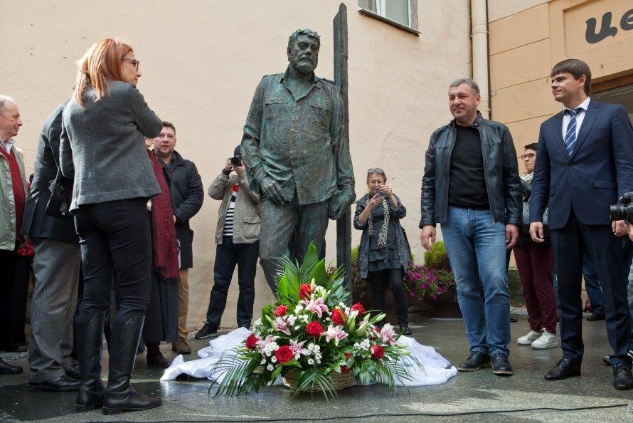 Открытие памятника Довлатову
