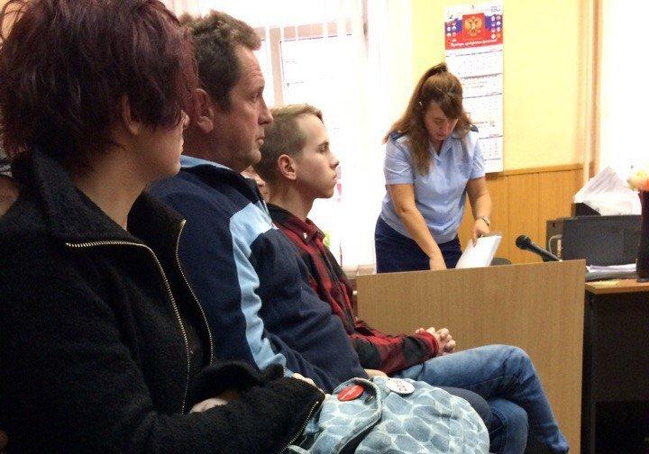 Потерпевший сотрудник милиции  выступил всуде поделу петербургского оппозиционера