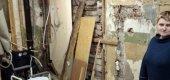 Стол разбила упавшая штукатурка