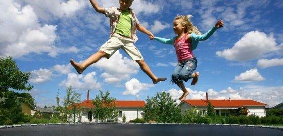 Батут – удовольствие для детей, тренировка для взрослых