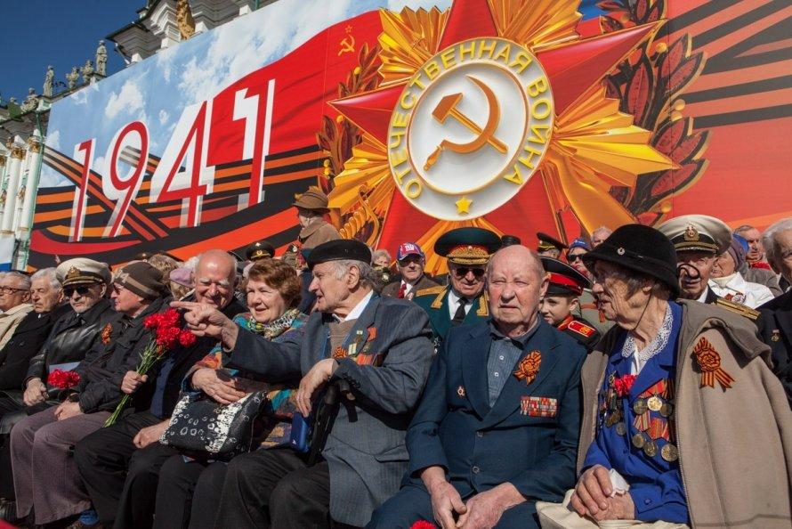 «Я рванул с миномета вместе со всеми «за Родину, за Сталина». Старшина ударил, я в окоп свалился. Жизнь мне спас»