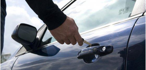 Три причины, почему нельзя вскрывать свой автомобиль самостоятельно