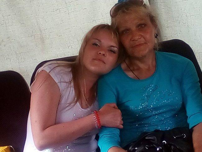 Ирина Лосякова с мамой // Фото: vk.com
