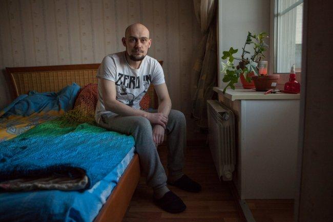 Пышки кровать русские стонут камера, вдвоем в одну дырку сразу