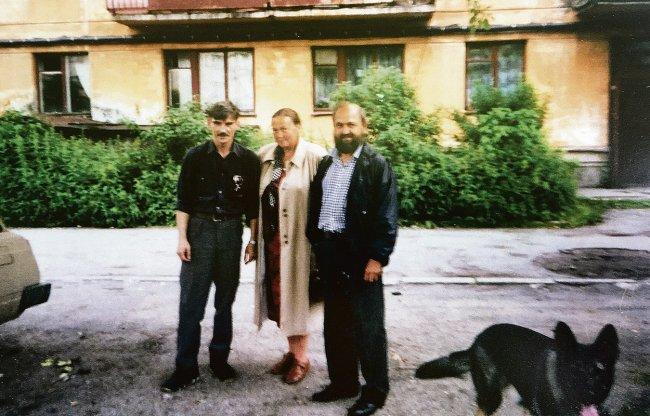 Юрий Дмитриев и супруги Поповы в год начала раскопок в Сандармохе