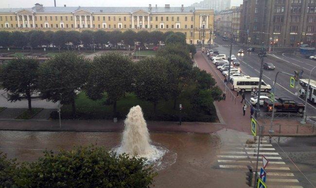 Авария на пл. Ленина 6 сентября // Фото: vk.com