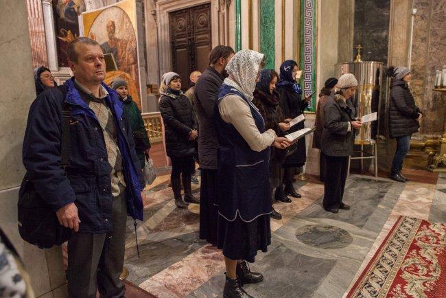 Служба в Исаакиевском соборе / Фото: Елена Лукьянова