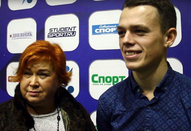 Егор Абрамов с мамой Ириной Дмитраковой / Фото: youtube.com
