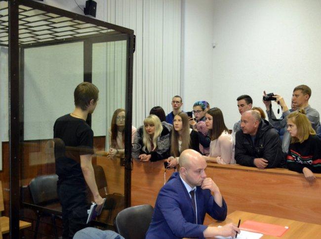 Следователь Валерий  Токарев на судебном  заседании по продлению меры пресечения Илье Шакурскому / Фото: 7x7
