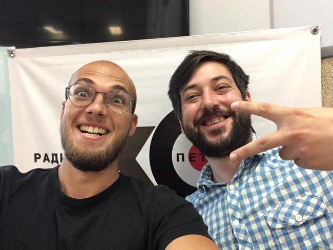 Сергей Кагермазов (справа) в редакции «Эха Петербурга» / Фото: facebook.com
