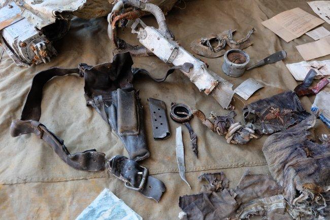 Найденные личные вещи летчика / Фото ww2.ru
