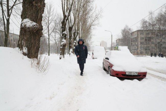 Врио Александр Беглов инспектирует уборку снега во Фрунзенском районе Петербурга / Фото: @LopataBeglova