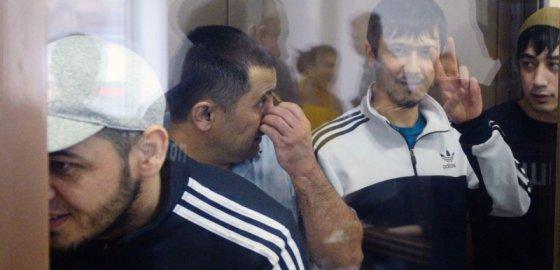 Подсудимые застряли в Москве