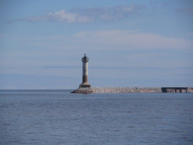 Увидеть маяк вблизи теперь могут лишь гости парк-отеля «Капитан Морган. Фото: vk.com