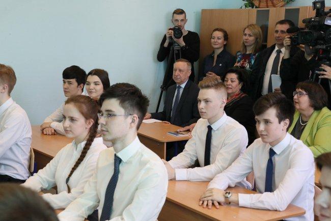 Визит Александра Беглова в лицей №373. Фото: gov.spb.ru