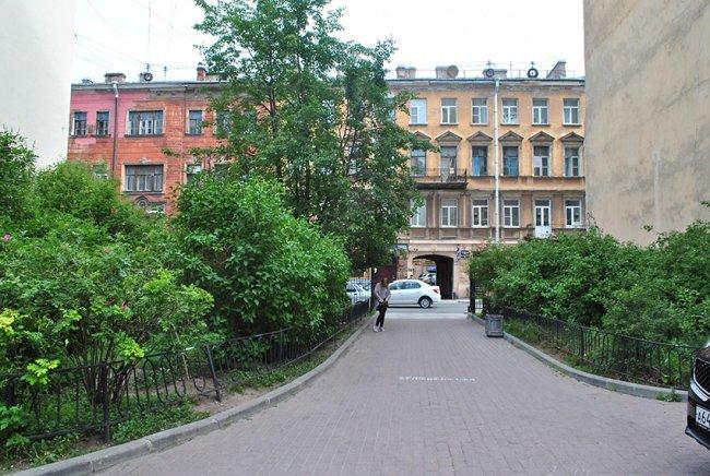Сквер в Кузнечном переулке. Фото: Юлия Рыбина