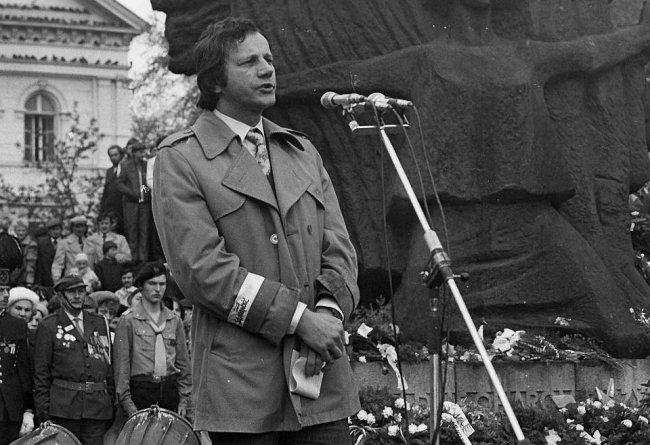 Ян Рулевский выступает на Старом рынке (Быдгощ, 1989)
