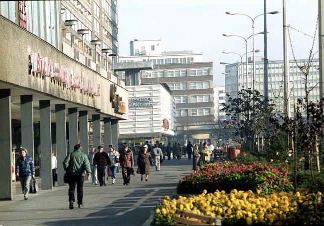 Александрплац в Берлине, ГДР. Фото: РИА Новости