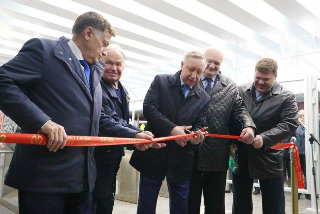 Александр Беглов на торжественной церемонии открытия станции метро «Шушары» (3 октября 2019). Фото: gov.spb.ru