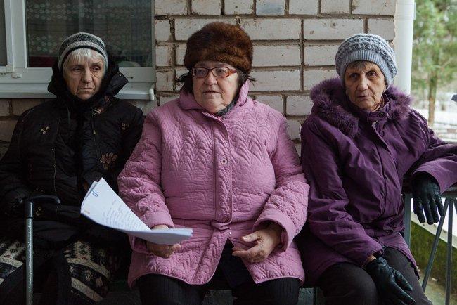 (Слева направо): Тамара Корнышова (82 года), Вера Гренич (71 год), Валентина Бредусова (74 года). Фото: Елена Лукьянова / «Новая в Петербурге»