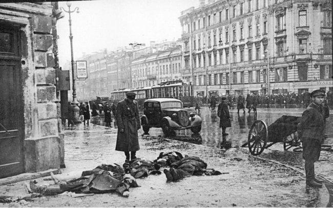 Первый обстрел Ленинграда. 1941 год. Фото: Давид Трахтенберг
