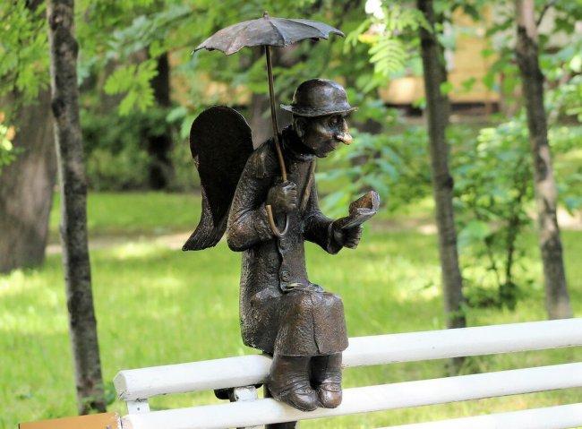 Петербургский ангел в Измайловском саду. Фото: facebook.com