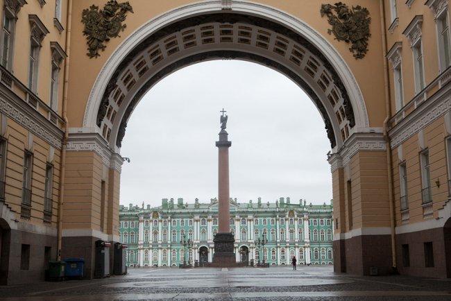 Вид на Дворцовую площадь. Фото: Елена Лукьянова / «Новая в Петербурге»