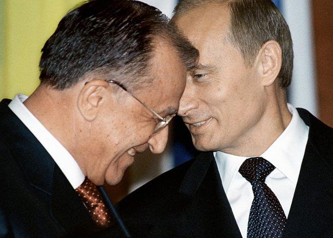 2003 год. Президент Румынии Ион Илиеску на встрече с Владимиром Путиным в Кремле. Фото: Алексей Панов / РИА Новости