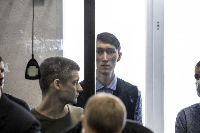 Фигуранты дела Сети Арман Сагынбаев и Андрей Чернов во время оглашения приговора. Фото: Влад Докшин / «Новая газета»