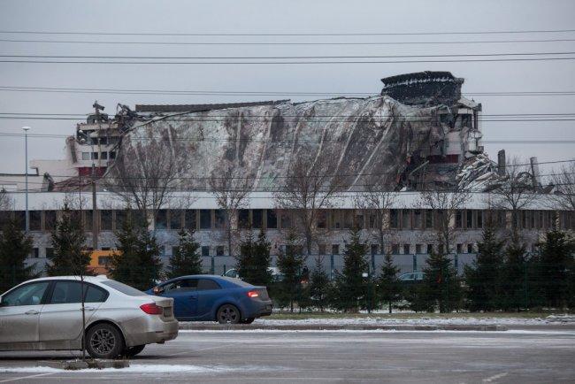 Разрушенный СКК на проспекте Юрия Гагарина в Петербурге. Фото: Елена Лукьянова / «Новая газета»