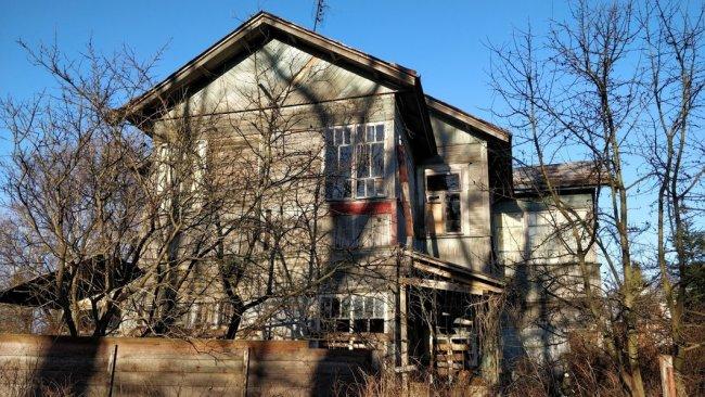 Дом-барак № 10, Фабричная улица. Фото: Денис Коротков / «Новая газета»