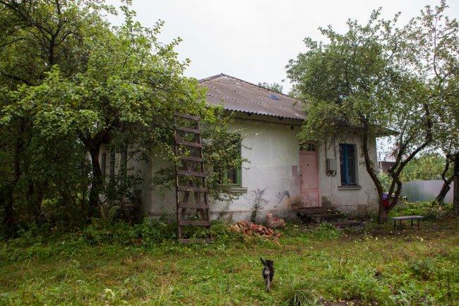 Дом, в котором живет Наталья с дочерьми. Фото: Елена Лукьянова / «Новая в Петербурге»