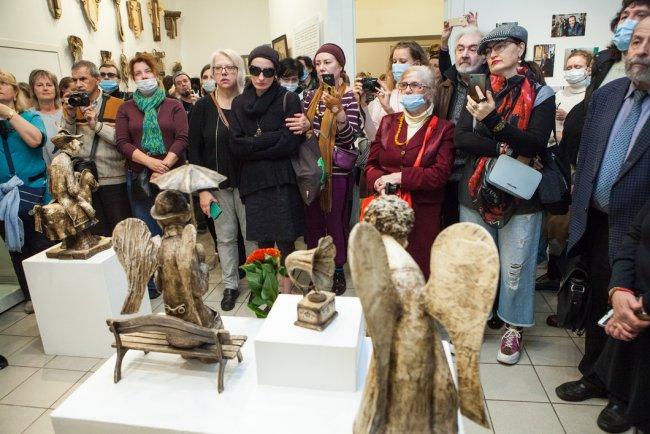 Посетители выставки. Фото: Елена Лукьянова / «Новая в Петербурге»