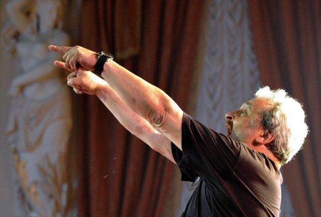 Юрий Александров во время генерального прогона оперы «Крым». Фото: Юрий Белинский \ ТАСС