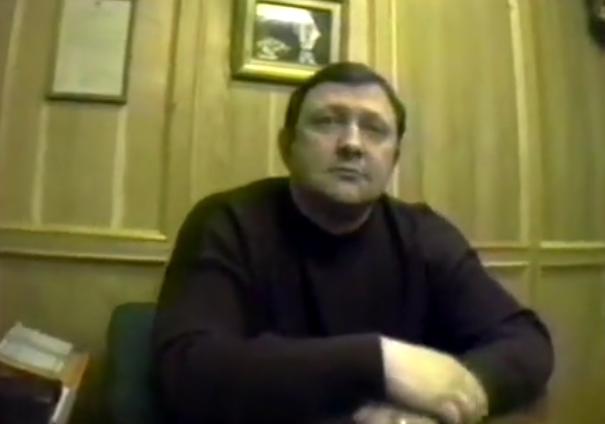 Илья Трабер («Антиквар»). Скриншот из видео (1992)