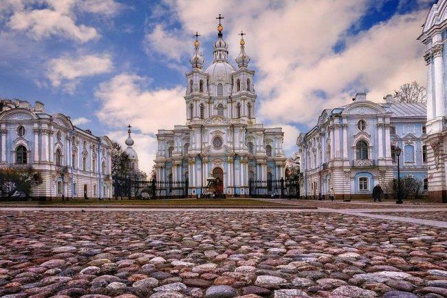 Ансамбль Смольного монастыря сейчас. Фото: russianmuseums.info