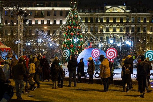 Прааздничный Санкт-Петербург. Фото: Алексей Душутин / «Новая газета»