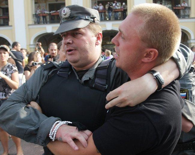Вадим Бойко на разгоне акции оппозиции 31 июля 2010 года в Петербурге. Фото: Игорь Самойлов / РИА Новости